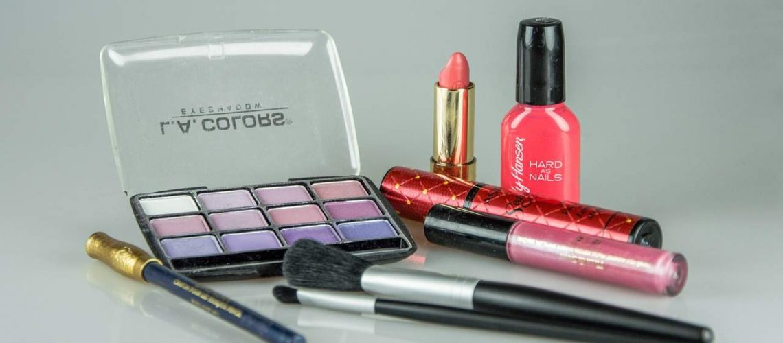 make-up-1180036_1280